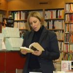 """Abigail Seran lit quelques extraits de son premier roman """"Marine et Lila""""."""